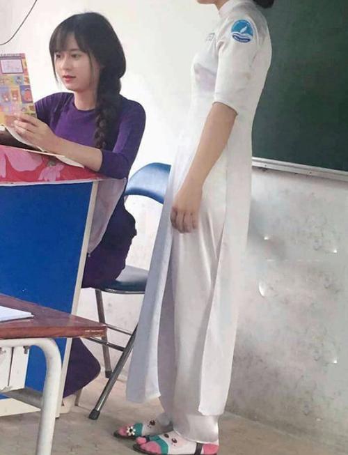 Cô giáo dạy địa lý ở sài gòn bỗng nổi như cồn nhờ xinh đẹp - 1