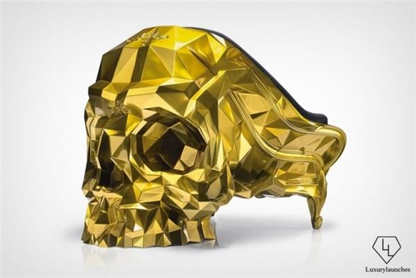 Đại gia chơi ngông ớn lạnh ghế hình đầu lâu dát vàng giá 11 tỷ - 1