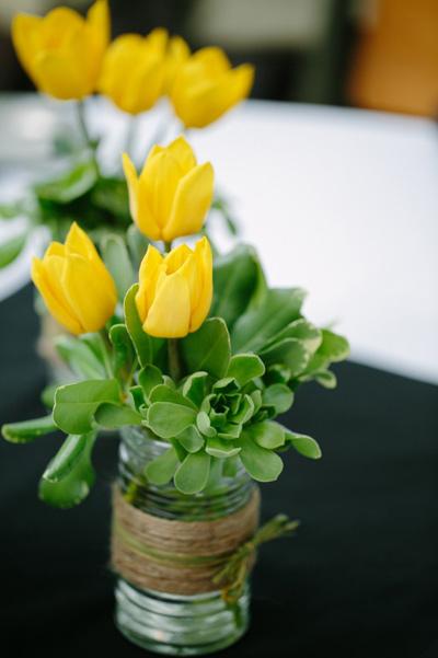 Đủ kiểu cắm hoa tulip dễ nhưng đẹp sang trọng - 10