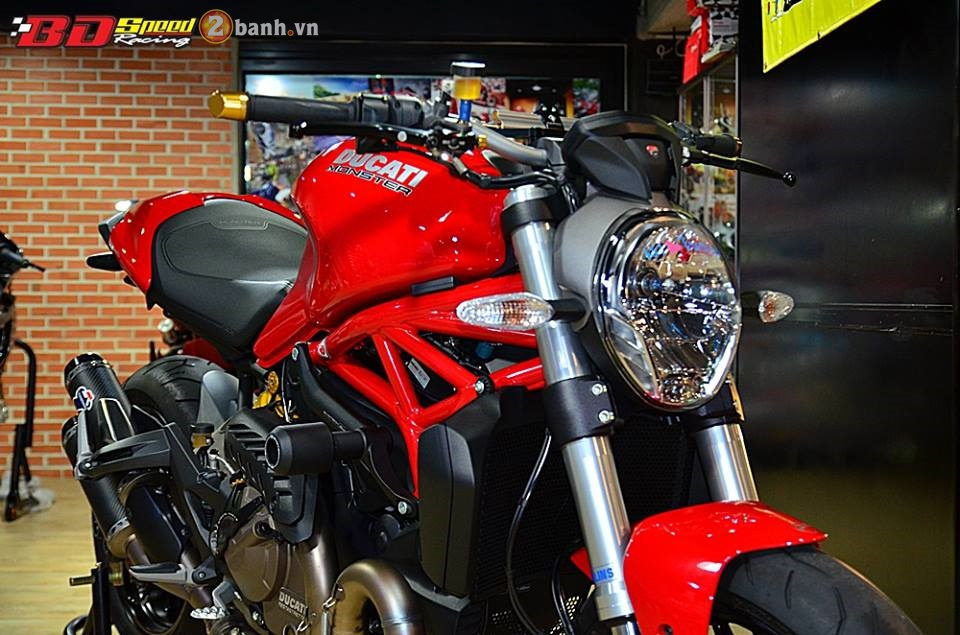 Ducati monster 821 cực chất bên dàn đồ chơi hàng hiệu - 2