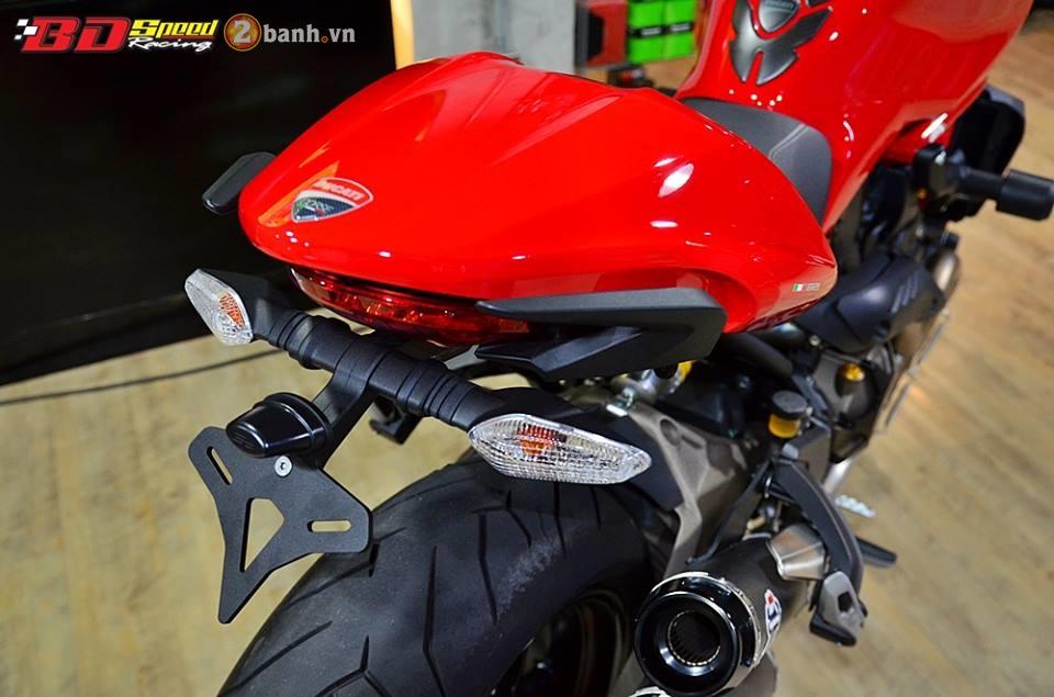 Ducati monster 821 cực chất bên dàn đồ chơi hàng hiệu - 14