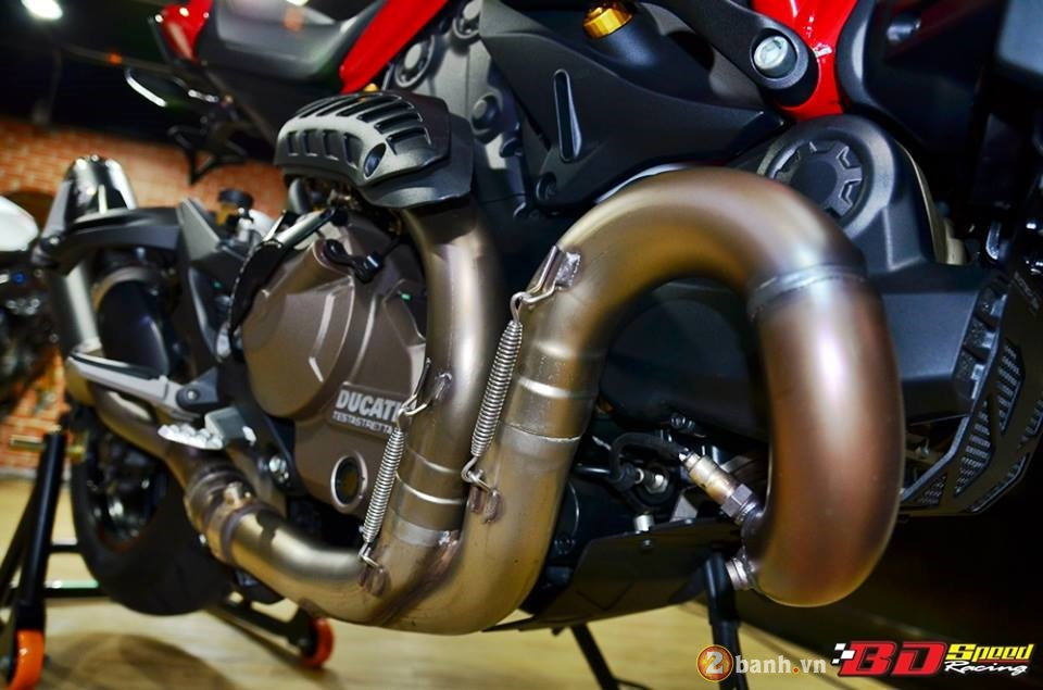 Ducati monster 821 cực chất bên dàn đồ chơi hàng hiệu - 17