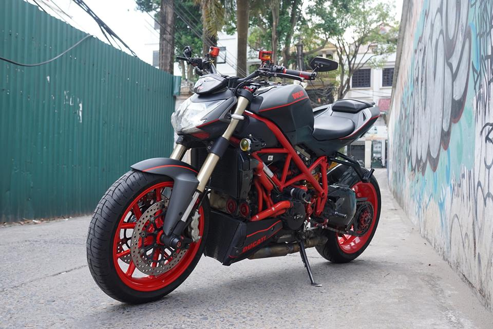 Ducati streetfighter 848 siêu chất với dàn đồ chơi khủng tại sài gòn - 1