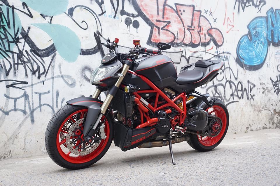 Ducati streetfighter 848 siêu chất với dàn đồ chơi khủng tại sài gòn - 2