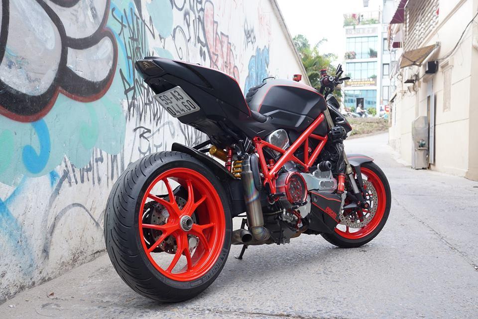 Ducati streetfighter 848 siêu chất với dàn đồ chơi khủng tại sài gòn - 9