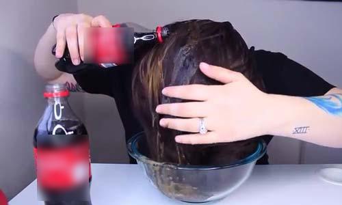 nghịch dại dùng nước có gas để gội đầu cô gái thu được kết quả đầy bất ngờ - 3