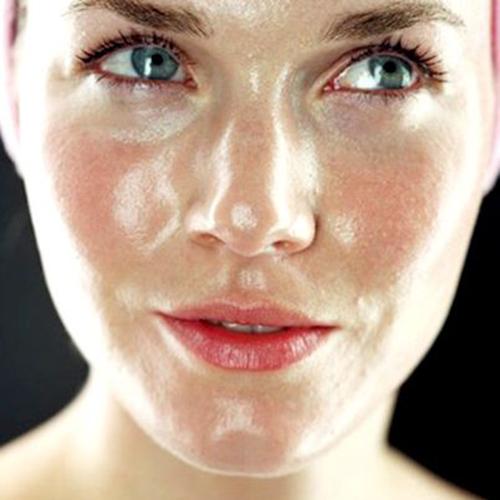 Những cách làm trắng sai lầm khiến da đã mụn còn thêm đen - 4