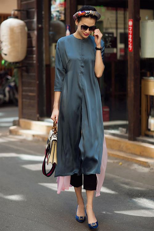 Những cách mặc áo dài cách tân với quần âu đẹp ngất ngây - 4