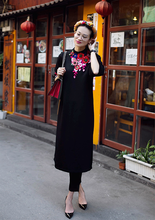 Những cách mặc áo dài cách tân với quần âu đẹp ngất ngây - 8