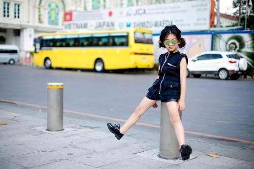 Thiên thần 7 tuổi hà nội đi đâu cũng sáng nhất phố vì mặc cực chất - 9
