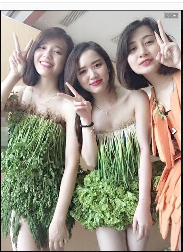 Váy sexy từ xà lách cải thảo rau cần ở vĩnh phúc gây sốt mạng xã hội - 4