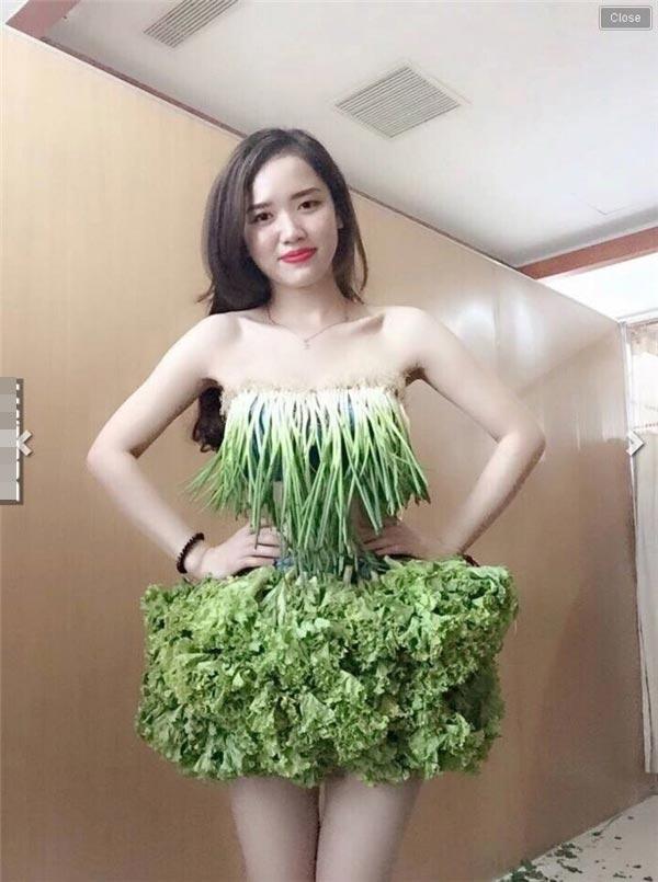 Váy sexy từ xà lách cải thảo rau cần ở vĩnh phúc gây sốt mạng xã hội - 5